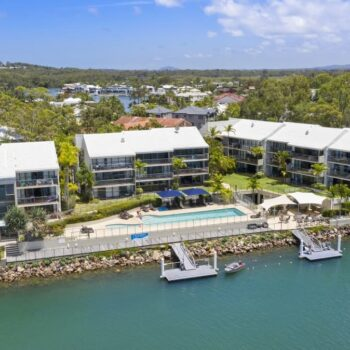 Noosa Shores - Noosa Sound Waterfront